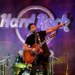 Bastian-Baker-live-HardRockCafe-Santiago