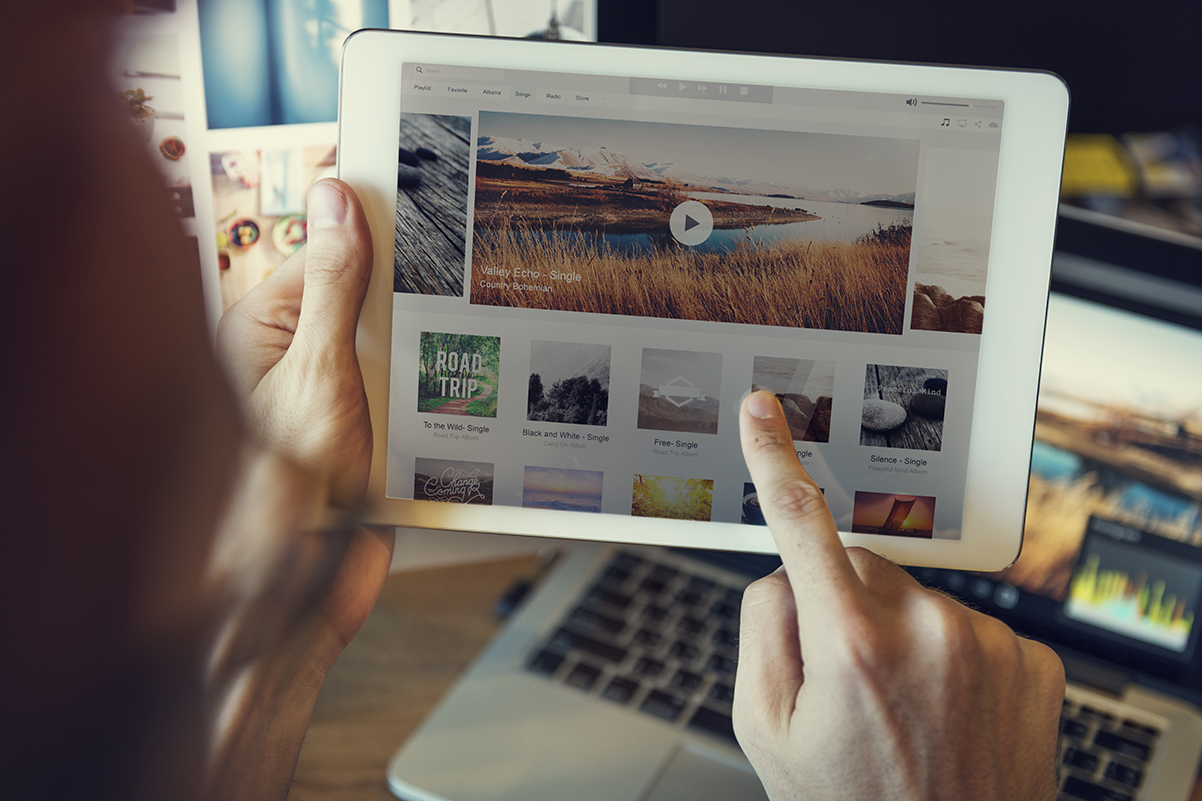 Vidéos avec musique sur Internet: nouvelle offre pour les petites entreprises
